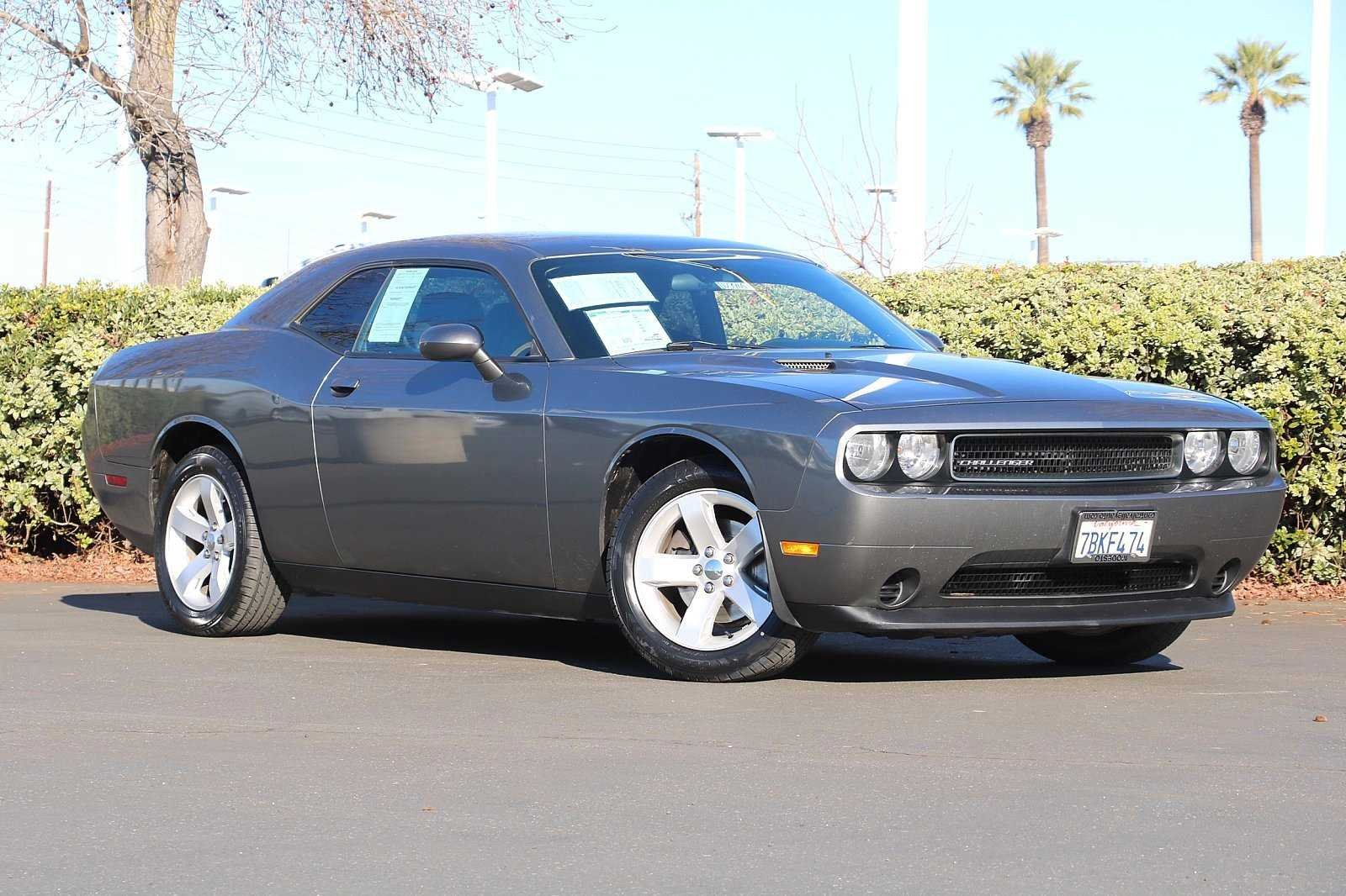 Central Valley Dodge >> Pre Owned 2011 Dodge Challenger Base Rwd 2dr Car