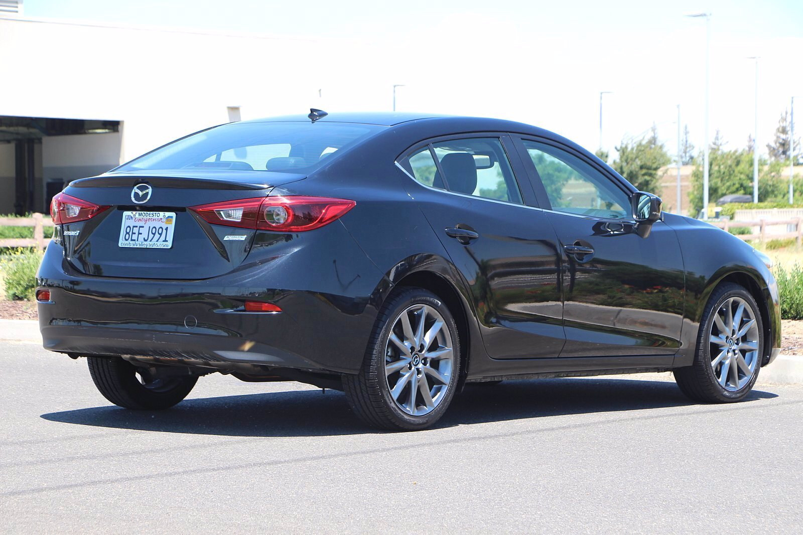 Pre-Owned 2018 Mazda3 4-Door Grand Touring