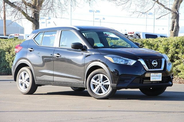New 2019<br>Nissan Kicks S<br>FWD