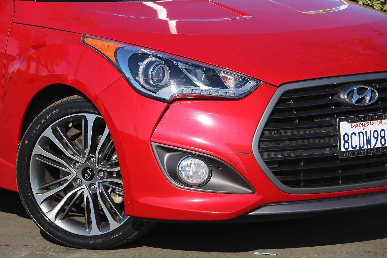 Pre-Owned 2016 Hyundai Veloster Turbo
