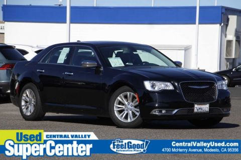 Pre-Owned 2017 Chrysler 300 300C